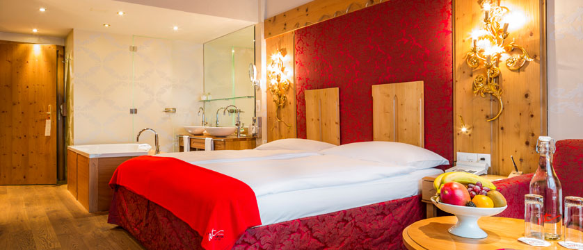 Switzerland_Saas-Fee_Hotel-Ferienart-resort-spa_Double-bedroom4.jpg